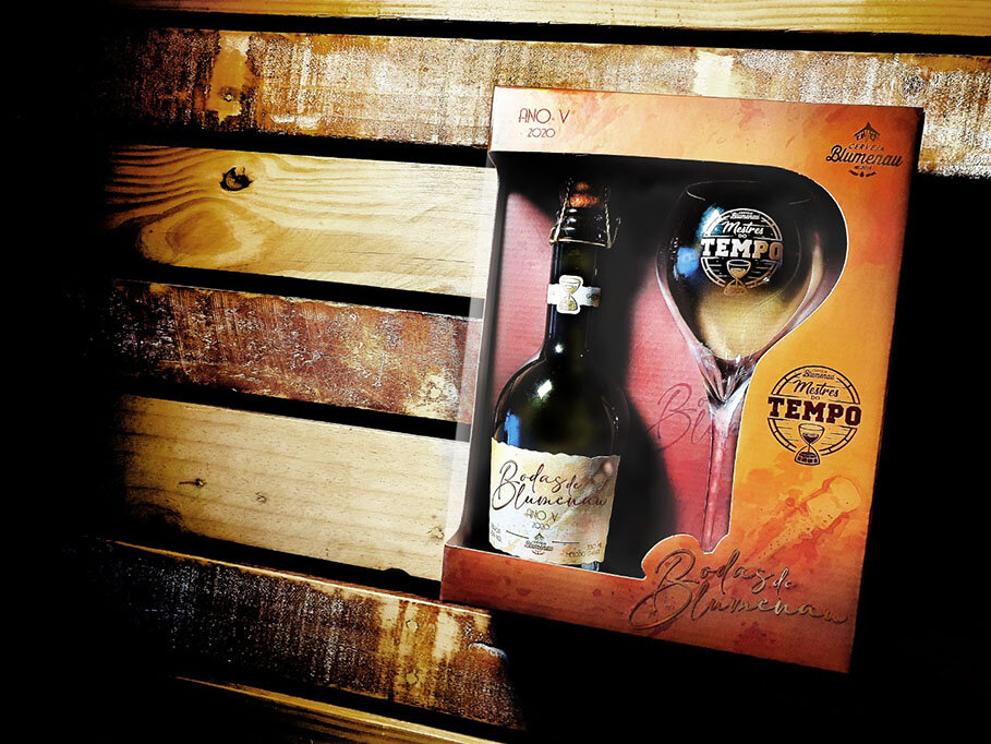 Cerveja Blumenau comemora cinco anos com bebidas maturadas em barris