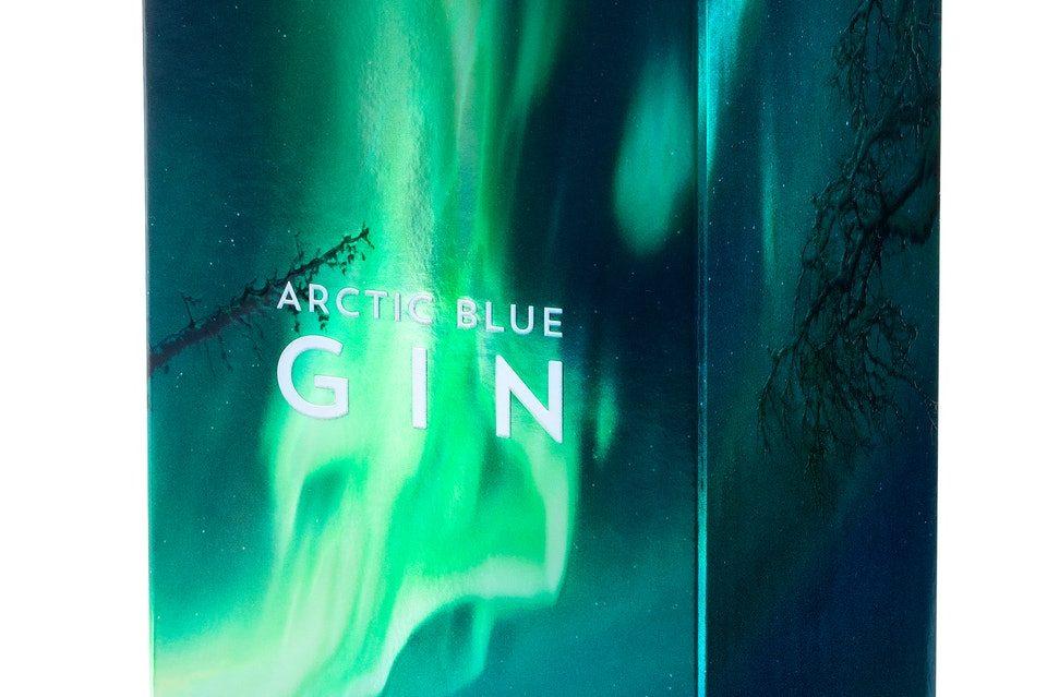 Gin finlandês mostra aurora boreal em embalagens holográficas