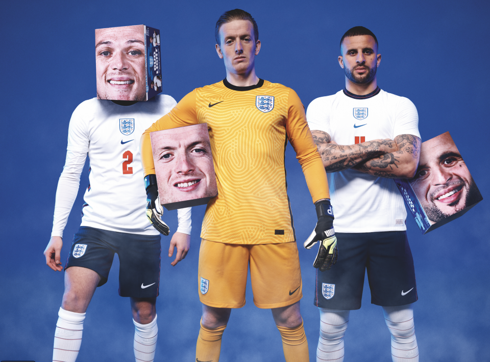 Cerveja Bud Light tem caixas com rostos de jogadores da seleção da Inglaterra