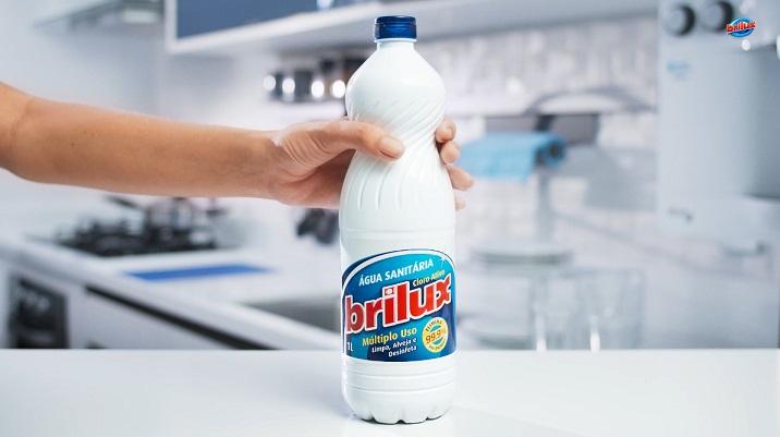 Água sanitária Brilux ganha embalagem reciclável e mais leve